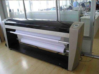 パターンを生地に印刷するための機械