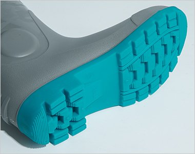 靴底、甲被共に油での劣化を防ぐ耐油配合で汎用性が高い長靴です