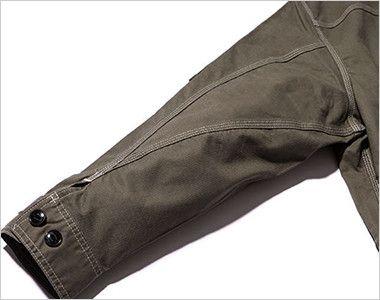 LWB06002 Lee ジップアップジャケット(男性用) 立体的な3枚袖仕様で、調節可能なボタン付き
